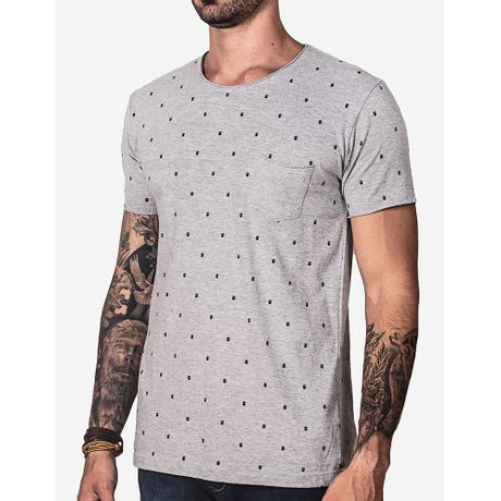 modelo-tshirt-1