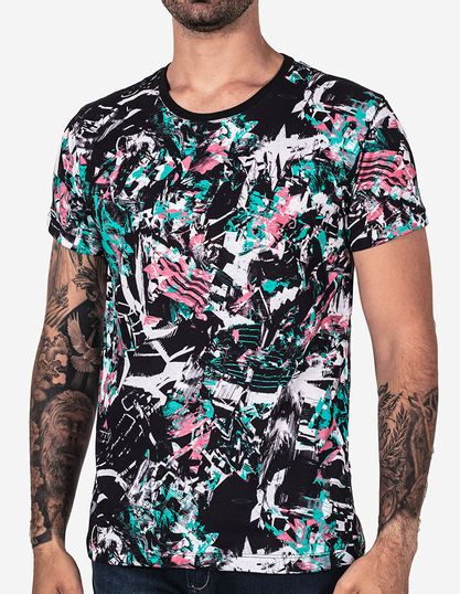 t-shirt-abstract-preto-101732-1