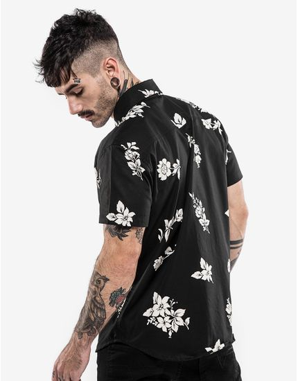 4-hover-hermoso-compadre-camisa-floral-preta-200351