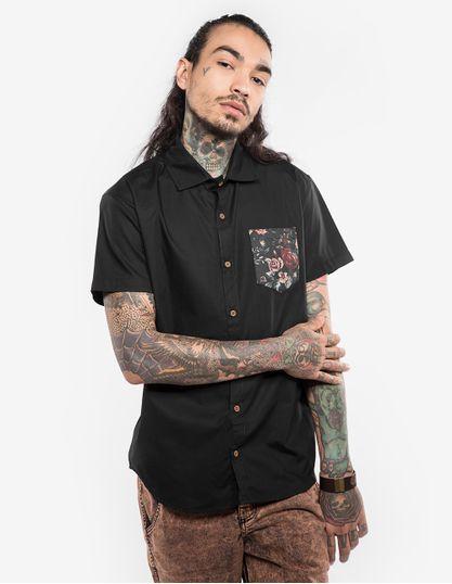 1-camisa-preta-bolso-floral-200132