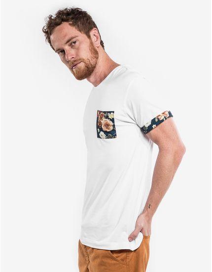 3-hover-hermoso-compadre-camiseta-branca-detalhe-floral-102970