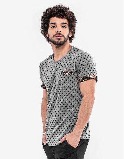 3-hover-hermoso-compadre-camiseta-poa-cinza-detalhe-floral-103083
