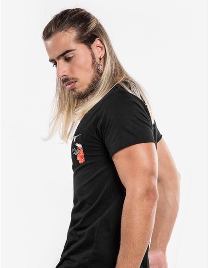 3-hover-hermoso-compadre-camiseta-preta-bolso-floral-101207
