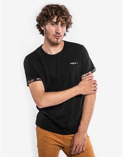 3-hover-hermoso-compadre-camiseta-preta-detalhe-floral-101729