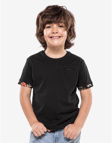 3-hover-hermoso-compadre-camiseta-preta-detalhe-floral-ninos-500030