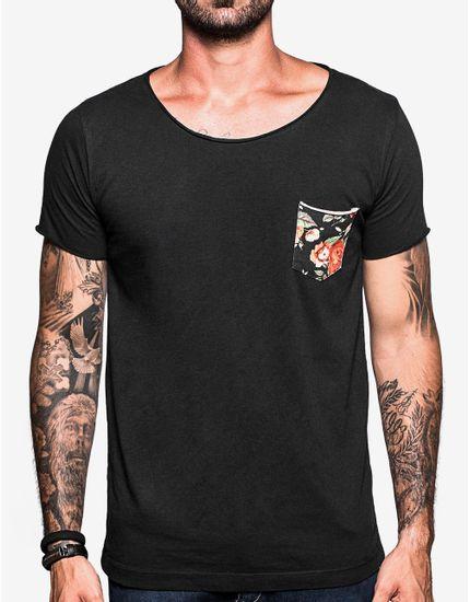 2-hover-hermoso-compadre-t-shirt-gola-canoa-preta-bolso-floral-103481