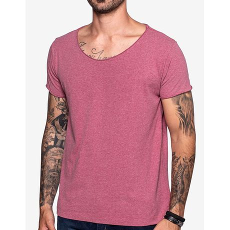 1-camiseta-gola-canoa-vinho-103483
