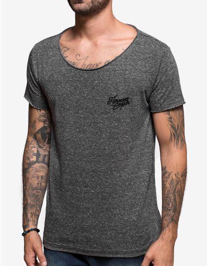 1-camiseta-gola-canoa-riciclato-preto-103943