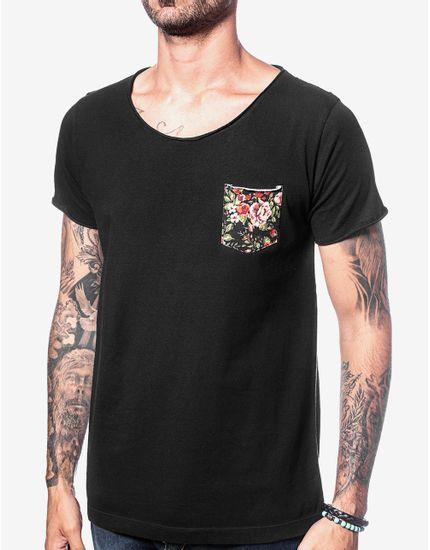 1-t-shirt-gola-canoa-preta-bolso-floral-103481