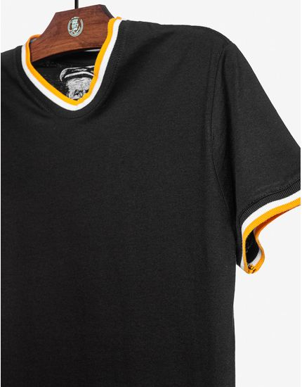 3-t-shirt-preta-gola-listrada-103303