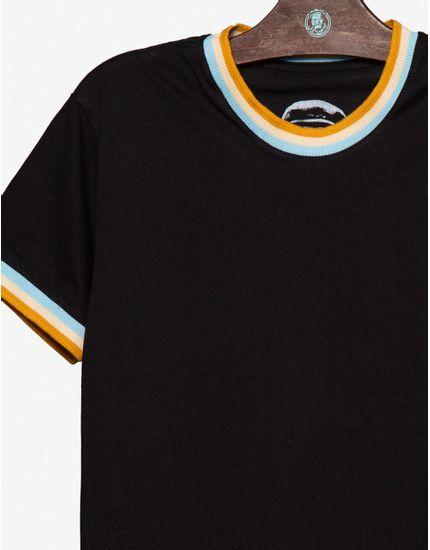 3-t-shirt-preta-gola-e-punhos-listrados-104618